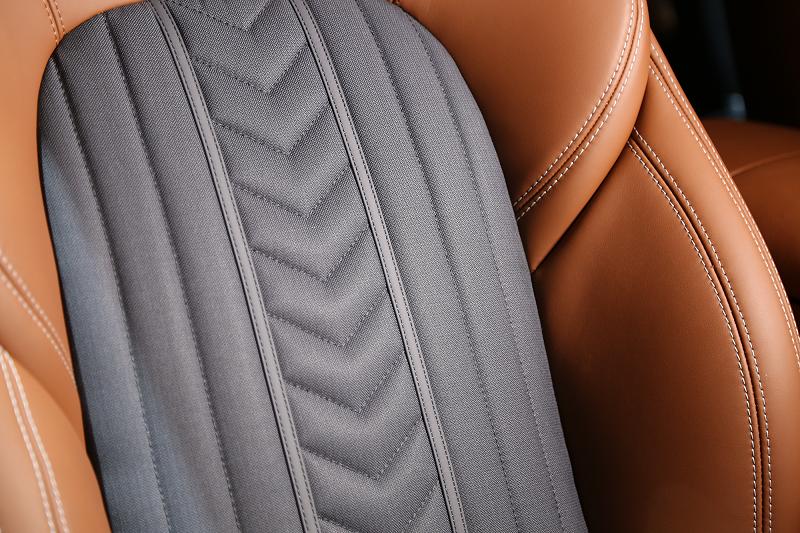 Maserati-Levante-with-Ermenegildo-Zegna-interior_3-800x533
