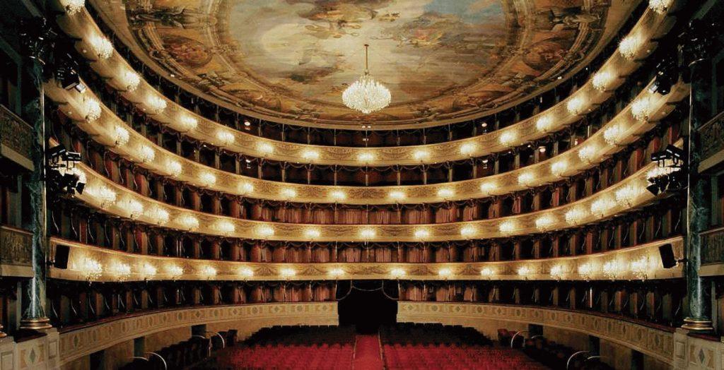 """Fotografía: """"Teatro Scala"""" - Servicios"""